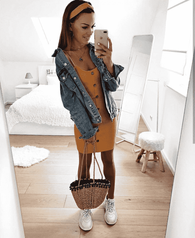 This is a gorgeous look, to a achieve a similar look try this beautiful yellow dress  with a denim jacket and some acce…