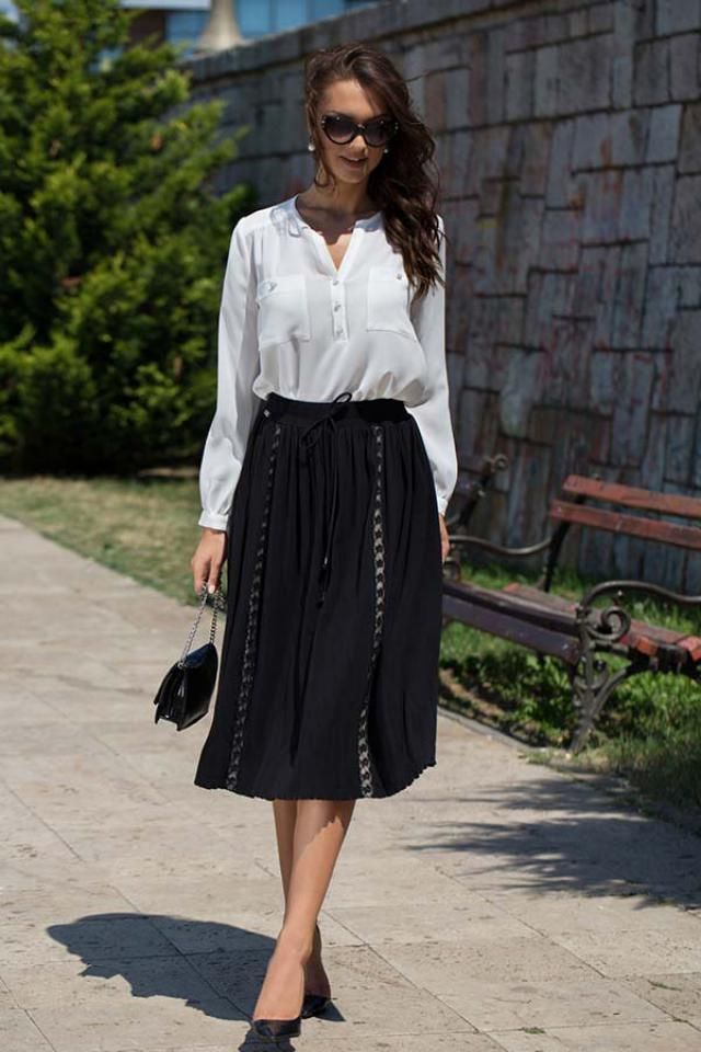 White elegant blouse perfect for combining, it is well-suited to skirt and pants, perfect for every occasion. When yo…