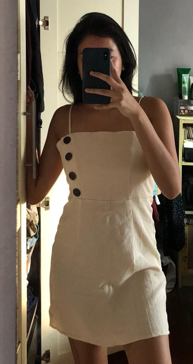 Super cute dress!! Fits me nicely. It is a little see through, but overall a really cute dress!