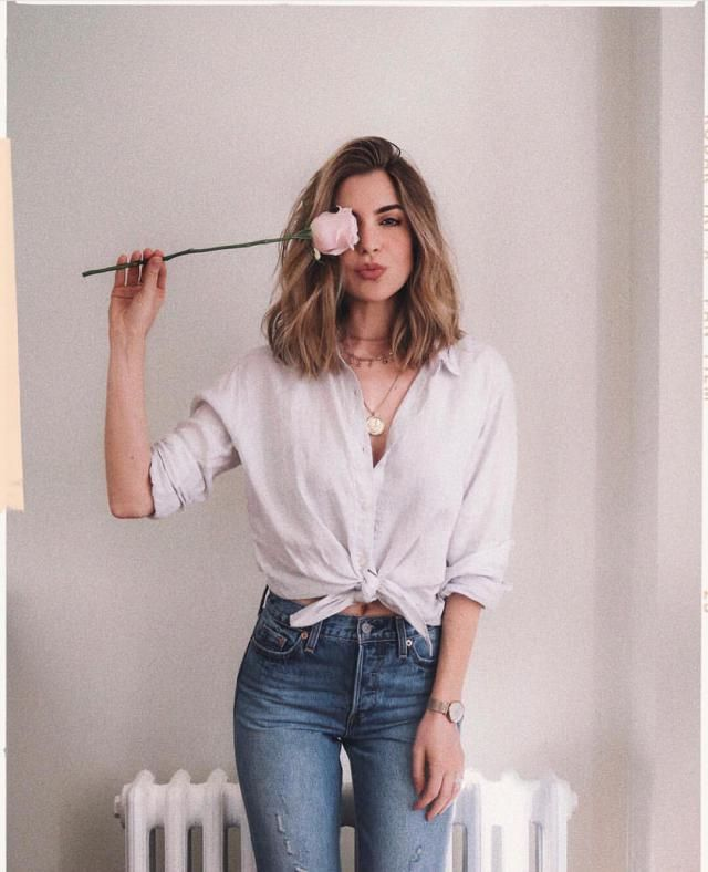 Sometimes all you need is a simple button up blouse, some cute jeans and your favorite necklace for a chic casual look …