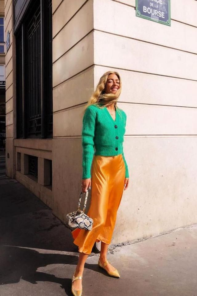 &ORANGE  Green Sweater