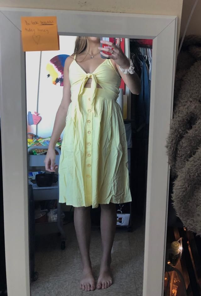 Love this banana yellow color, and it fits great! It looks just like the picture, but of course is very wrinkly as you…