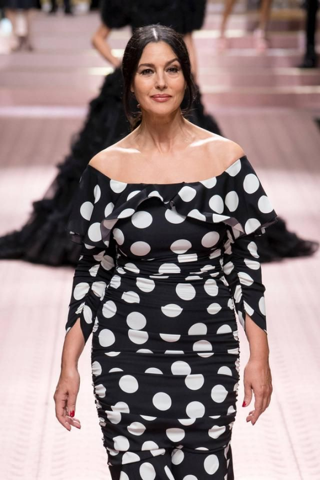 The romantic polka dot dress is always in trend, you look seductive and sweet in this dress, Zaful has a great selecti…