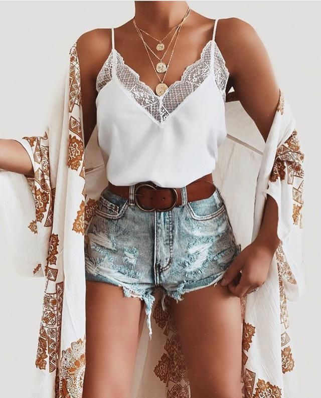 Love this outfit simple but gorgeous, what do you think about it?