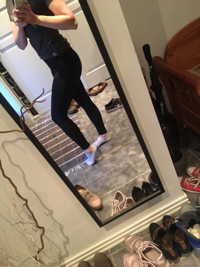 I'm 5'4 and about 130lbs, fits perfectly. I was kinda skeptical about ordering tights online, because the possibility …