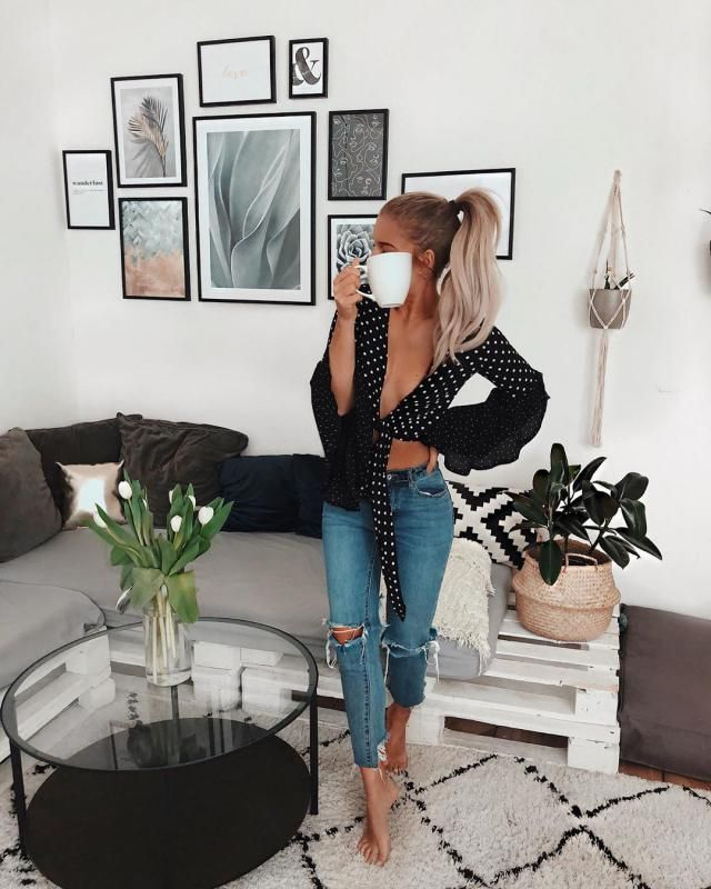 I adore this kind of blouse,Twist Front Polka Dot blouse look chic
