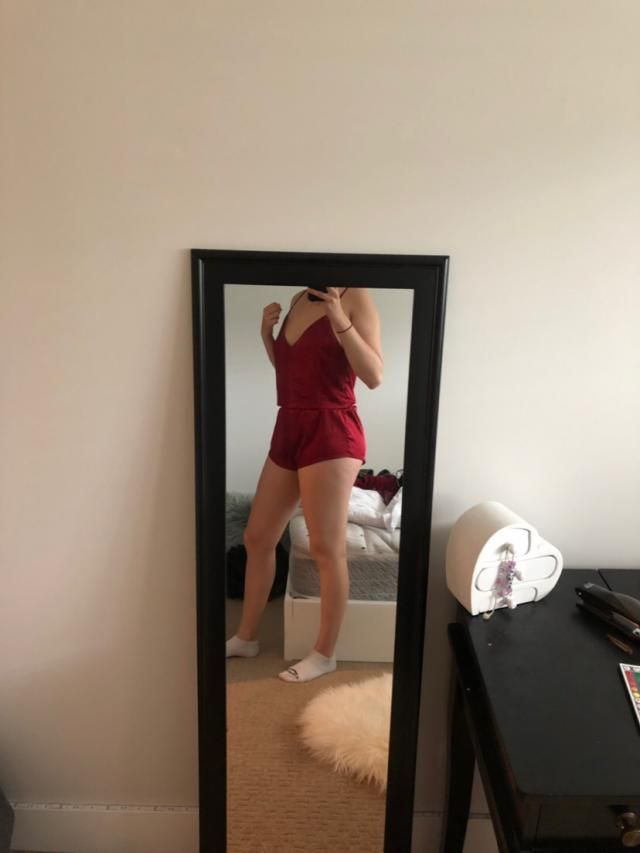 Super comfy, great to lounge around in! Love the colour, got a medium and fits very well. The shorts are a bit shorter…