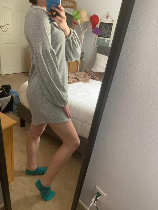 Super cute. Fits well.  Love it. Looks exaclty like the pictures.  True to size. Comfortable and of fantastic material…
