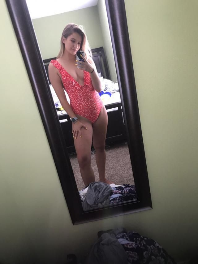 Size M| I'm so happy w this swimsuit, it has pads & has a lot of coverage & also gave me some cleavage…