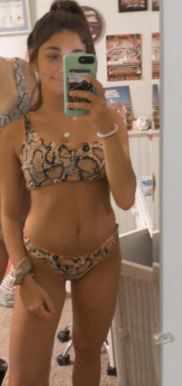 Loved this bathing suit! Fits true to size, i'm 5'1 115 pounds and a small was perfect !