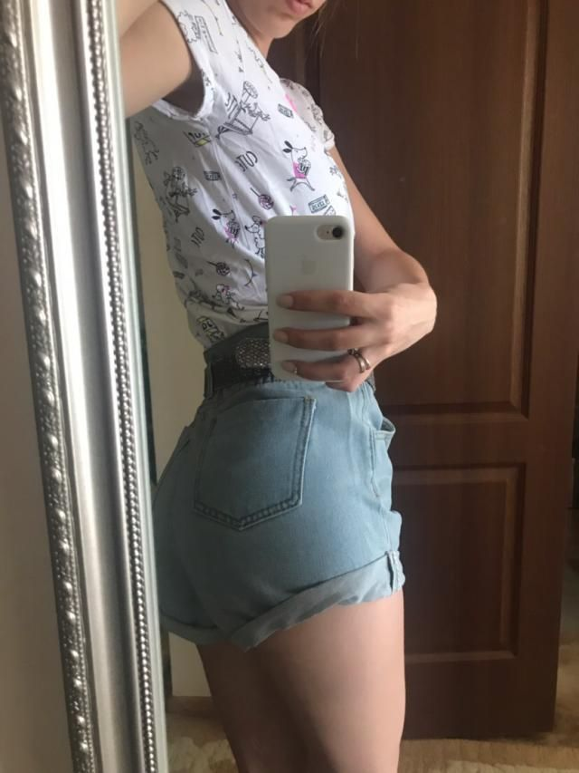 Like these shorts very much. Fit perfectly, true to size. The quality is excellent 65% cotton. Look like one on the pi…