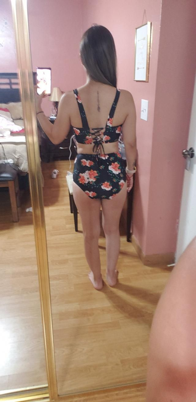 Super cute,  Fits well, Love it, Looks exaclty like the pictures. I&;m 5.3&; 116lbs ordered a size small, top fits gre…