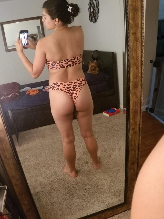 size small, I&;m 133lbs and 134C. fits very well. its a bit cheeky but super cute.