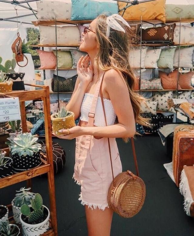 Backless Pinafore Romper With Pockets   Wonderful pinafore romper and tube top .Come to Zaful,  BUY HERE! Beautiful c…