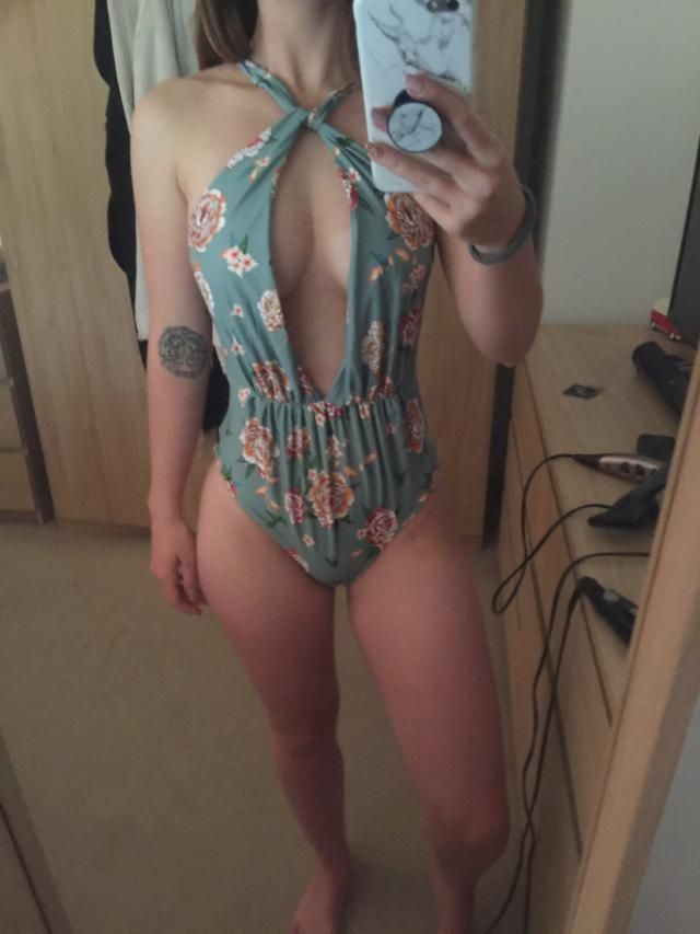 Love the material and pattern, only problem is that it is very revealing at the front so I've tied it differently to t…