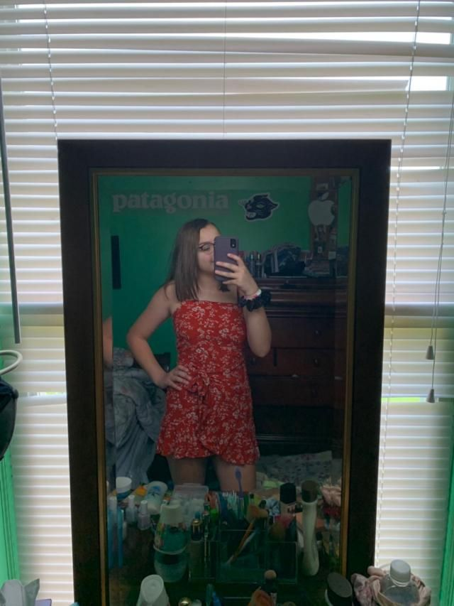 so cute i love this dress!!! a little short and some threads were loose but still love