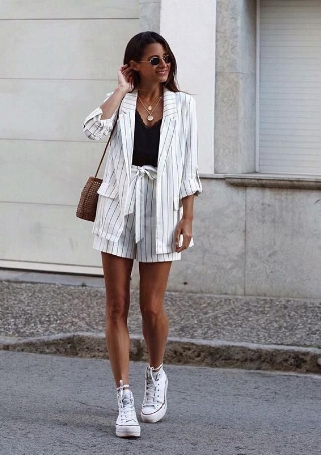 I love this look it is unique casual and classy, do you like it or not