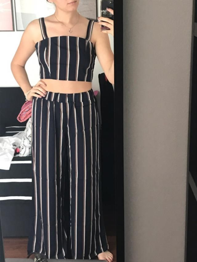Amazing fit! The trousers have a comfortable elastic band and the top is a little bit large near the armpit, anyway it…
