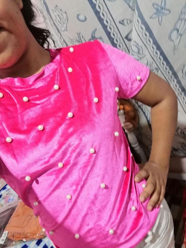 Es una blusa bonita, el color es el mismo, la tela es como se aprecia en la foto (gamusa) y el tamaño me quedó bien. P…