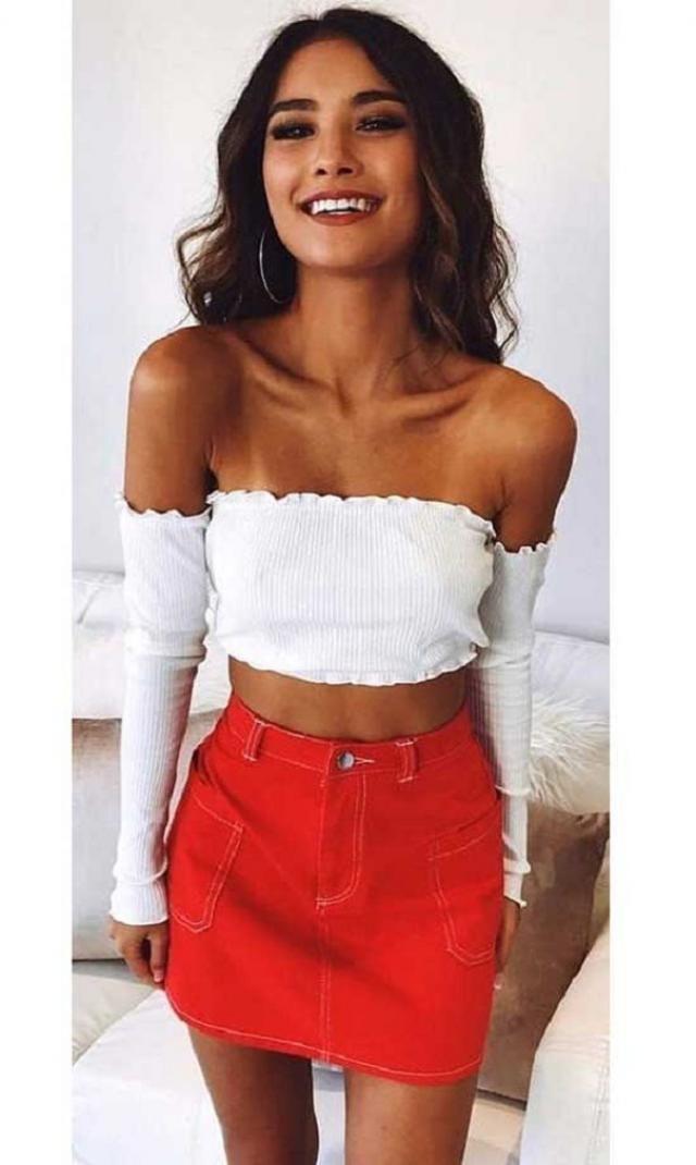 Frayed Hem Pocket Zipper Fly Denim Skirt  NEW in Zaful! Wonderful denim skirt and top .Come to Zaful, BUY HERE! Beaut…