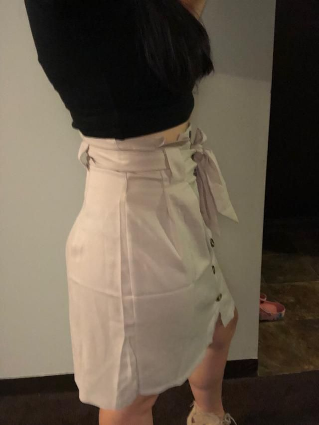 The material is amazing, and the length is perfect. Fits well. Super cute!