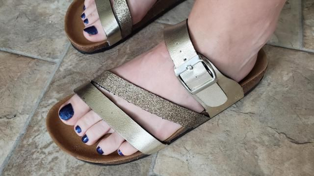I love these sandals!  I've worn them out a few times now and they're comfortable!  I love the sparkles and the design…