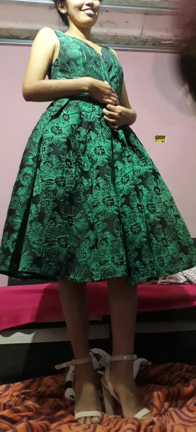 Este vestido es super lindoooo! Excelente material, acabado precioso, comodo y de un color perfecto!.