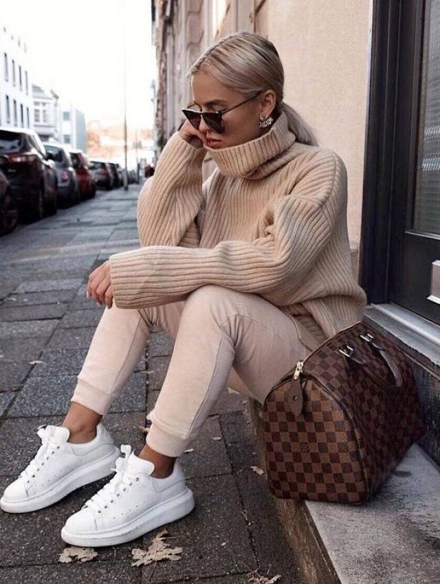 White sneakers an sunglasses