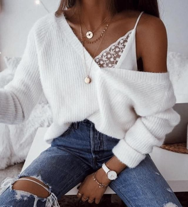 There are ways to accomplish cute white sweater outfits utilizing your winter capsule wardrobe essentials whether pairi…