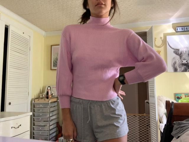 """I'm 5'5"""" 125lbs. Usually im an extra small. THIS IS THE SOFTEST SWEATER IN THE WORLD"""