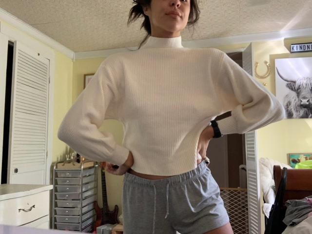 """I'm 5'5"""" 125lbs. Usually im an extra small. This is literally the softest sweater I own now!!!! Love it!"""