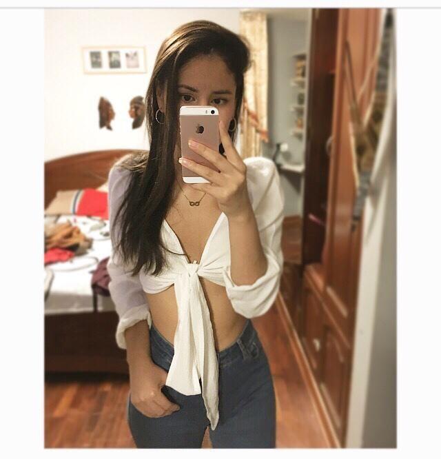 Talla S color white top hermoso me encanto ❤️ tal cual muy buena calidad