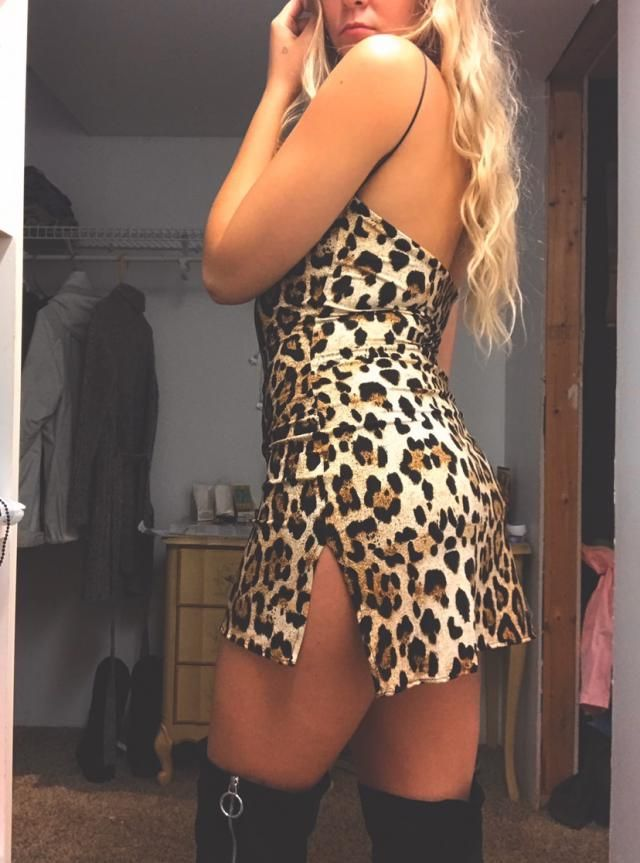 Super cute and sexy. Straps are a little weird you can tell in the picture! Overall I love it, perfect for a night out…
