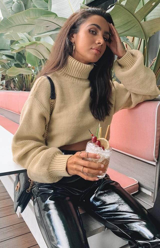 Turtleneck Plain Cropped Sweater