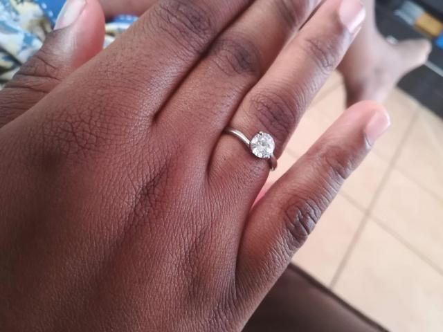 I love it, it looks like a real diamond