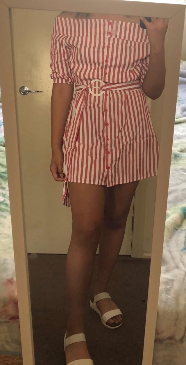 Super cute Fits well Love it, the material feels cheap but it still looks good.
