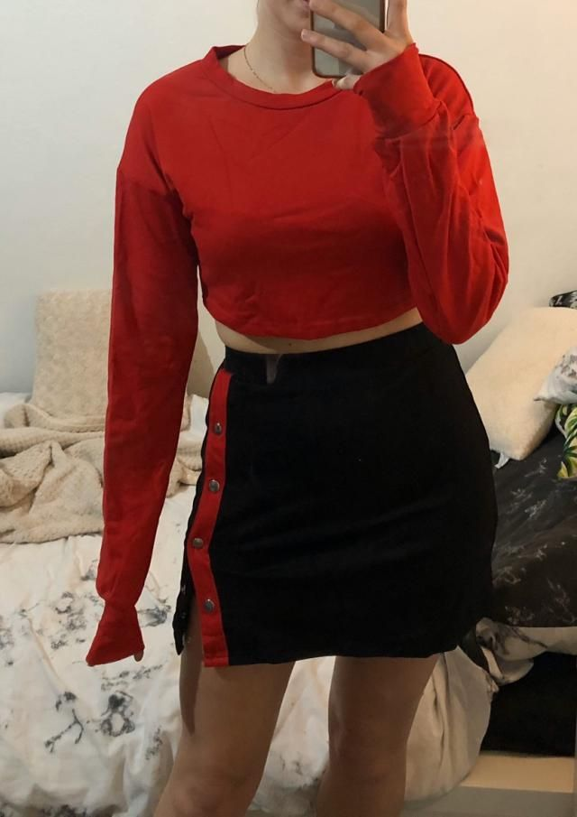 I'm usually a size S/M and this fits surprisingly well! The sleeves are longer though. The material is pretty comfy.