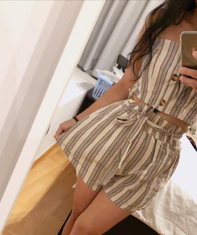 Super cute Fits well Love it Looks exaclty like the pictures  True to size