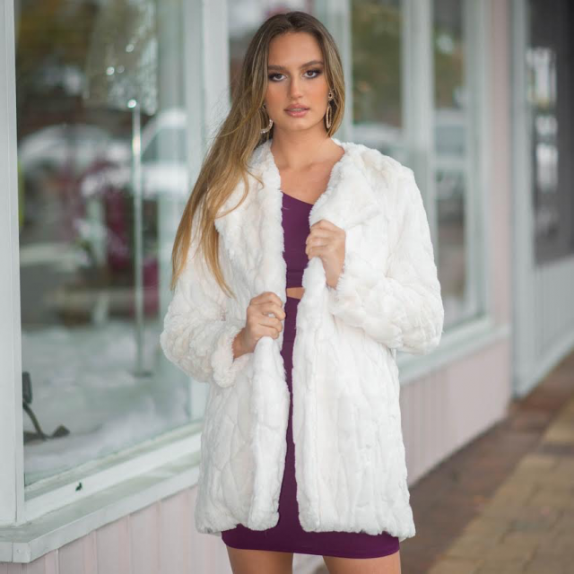 ZAFUL Faux Fur Fuzzy Coat   A wonderful soft and warm coats, only in Zaful. Come to Zaful! Shop at Zaful!