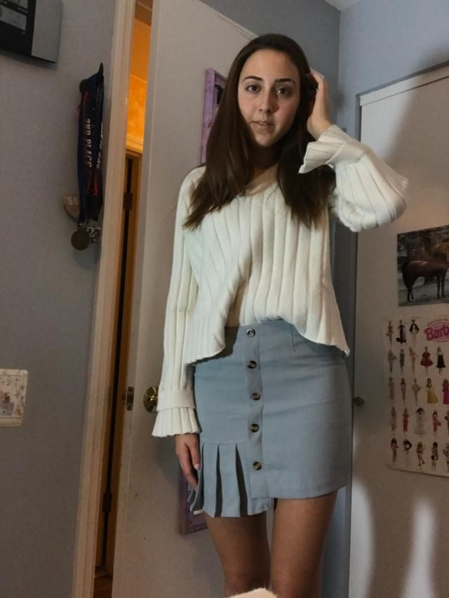 It's more of a cropped sweater, but the sleeves fit well. The sweater goes to me on my torso just a little bit below m…