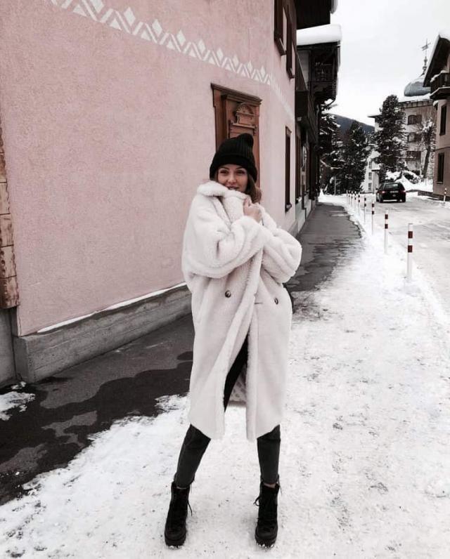 Zip Cuffs Back Slit Longline Teddy Coat   Warm and soft longline teddy coat ,only in Zaful-u.  BUY HERE! Beautiful clo…