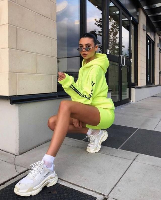 ZAFUL Neon Lime Slogan Heart Graphic Raw Hem Hoodie 
