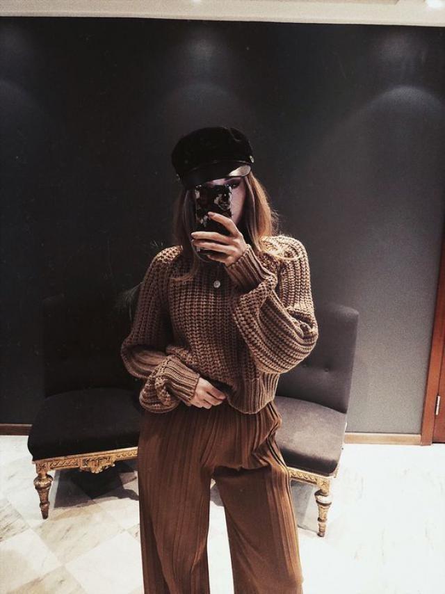 Black cap, women beautiful style, get it now, autumn fashion, online shop..