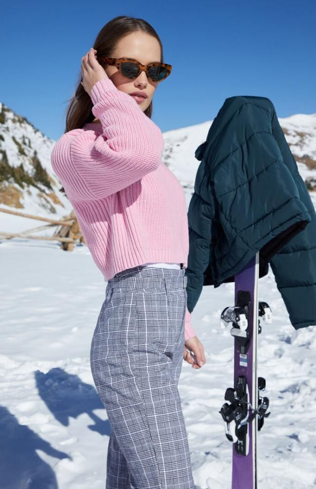 Zigzag Hem Solid Loose Sweater A wonderful pink sweater with plaid pants. Come to Zaful ! Buy here!