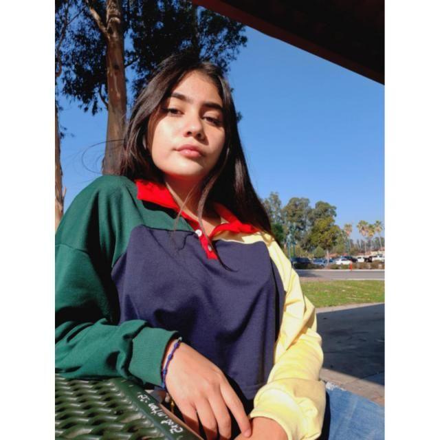 perfectaaa! la ame completamente,  es de mis blusas favoritas,  súper fresca & la tela es muy cómoda