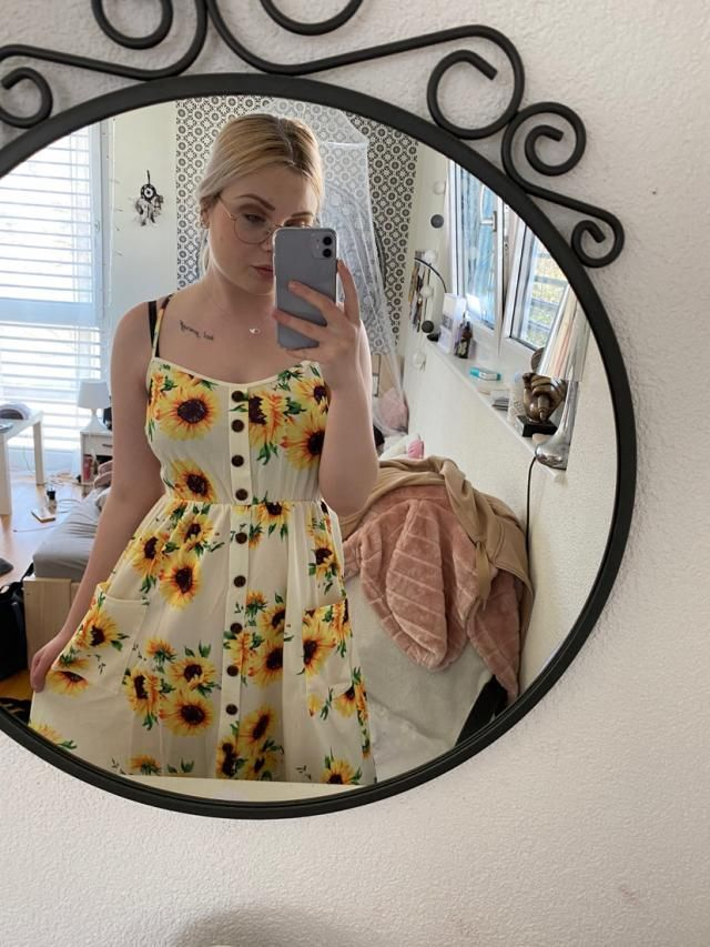 Its a wonderful, good quality dress! It looks just like the photos and i'm super happy with it. Looks great also with …