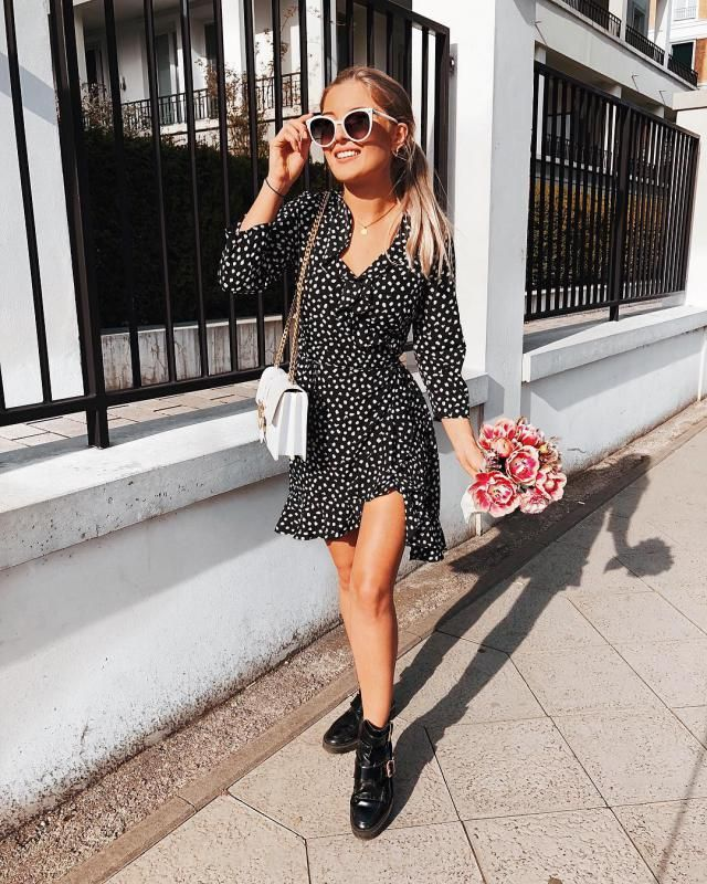 If you wanna stay trendy this spring/summer you need a DOT DRESS!
