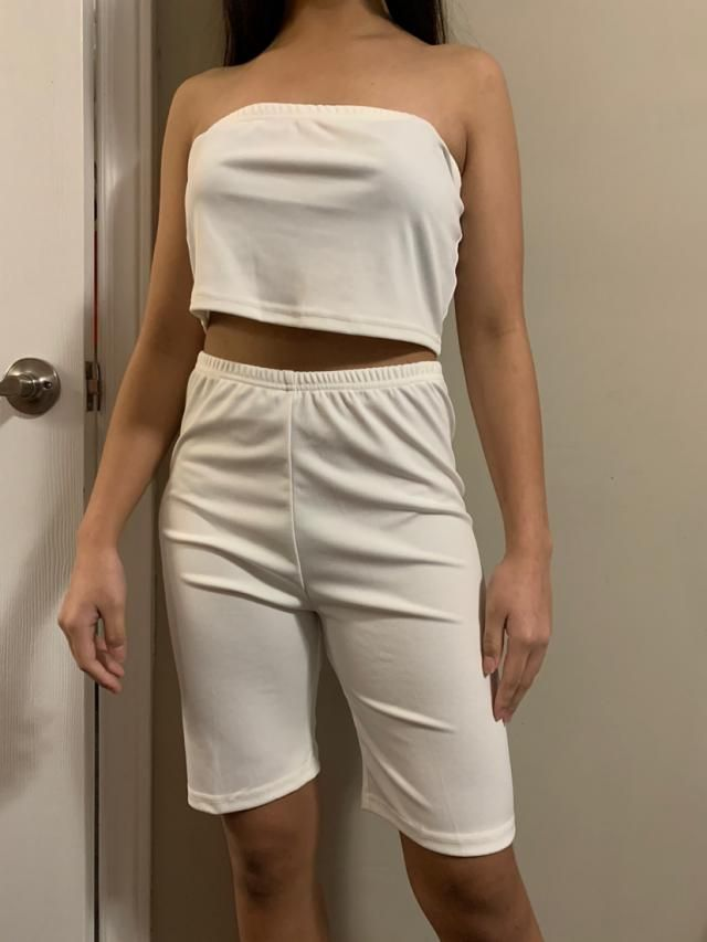 True to size and fits well Comfortable and of fantastic material Looks exaclty like the pictures Definitely recommend …