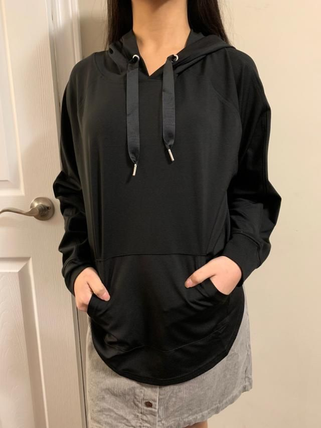 True to size and fits well Very comfortable, suitable for sports scenes Comfortable and of fantastic material Match th…
