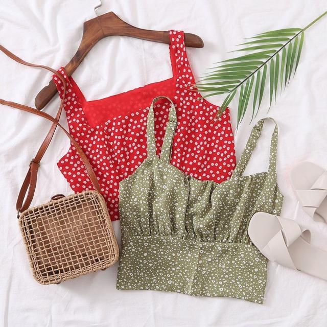 ♥ WOW, this is a beautiful  croptop, perfect for spring! ♥